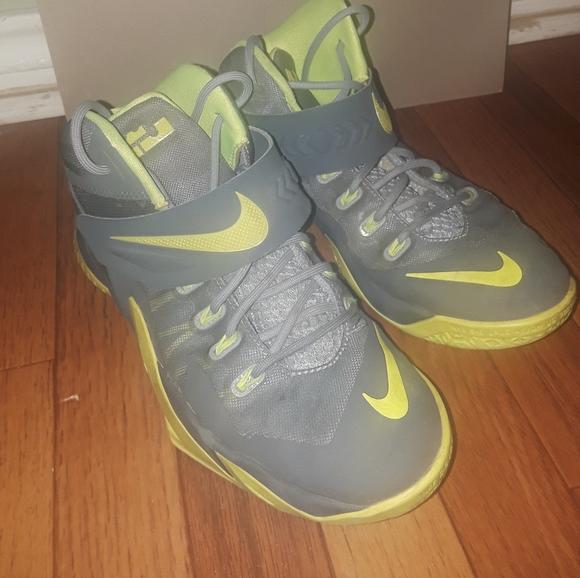 Nike Shoes | Lebron James Shoes Boys